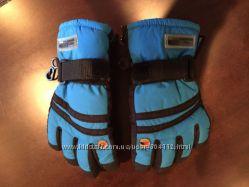 Продам зимние лыжные утепленные перчатки Trespass на мальчика 3 года