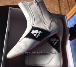 Ботиночки бренда Havy Duty. Размер- 40.