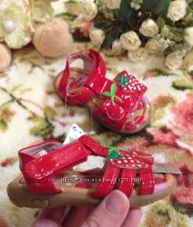 Детские сандалики Next с клубникой 12 см по стельке на липучке