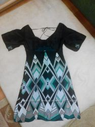 Красивое женское платье Karen Millen, р. S, M.