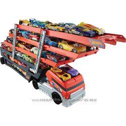 Hot Wheels Большой автовоз перевозчик Mega Hauler на 50 машинок