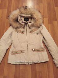 Демисезонная курточка с золотистым отливом