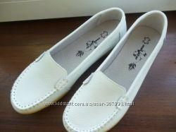Мокасины женские  кожаные цвет белый