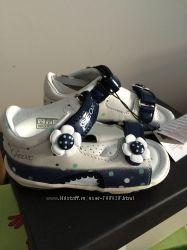 Летняя обувь Ecco geox clarks 21. 22 размер малышам и малышкам
