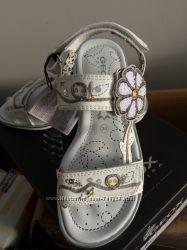 Летняя обувь  Geox Clarks 22 -30р. Мальчикам и девочкам