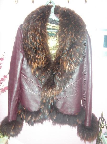 Куртка с мехом енота -идеальное состояние