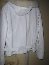 Красивая куртка на весну -размер L