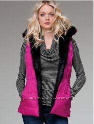 Двухсторонняя жилетка на пуху с сайта Victoria&acutes Secret, состояние нов