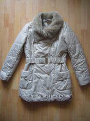 Зимнняя куртка пуховик Mohitо,  М 44-46 разм.