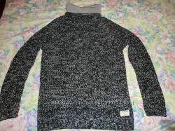 Брендовый теплый свитер