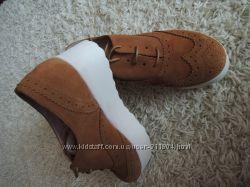 Замшевые туфли-слипоны Oxigeno. новые