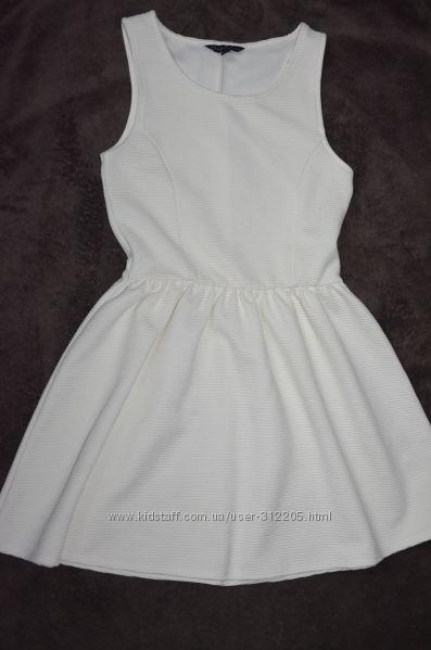 Продам платья на 9-10 лет