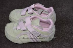Продам на малышку туфельки, ботиночки 20р-р