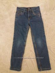 Продам джинсы на флисе Yuke рост 122.