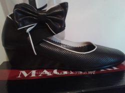 Красивые туфли с бантом Magnori 39р. 25-25. 5 см по стельке.