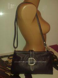 Классная кожаная сумка Borse in Pelle Italy. Кросс-боди цвет баклажан.