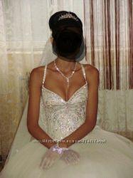 Продам надзвичайно красиве весільне плаття.