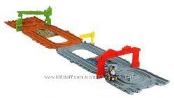 паровозик Dash и портативная железная дорога Томас Thomas Fisher-Price США