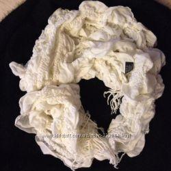 Белый классный шарф