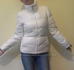 белоснежная куртка-пуховик Benneton