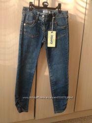 Стильные джинсы от Primigi , Италия р-р 130