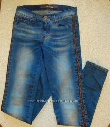 Джинсы с кожаными вставками . Gloria Jeans . 37-164