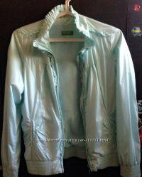Продам ветровку куртка Benetton. Размер S-XS