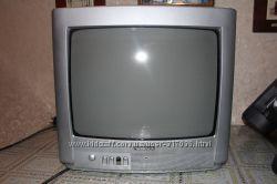 Телевизор Thomson 14MF110G с подставкой крепление
