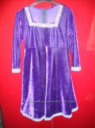 Продам красивущее нарядное платье из бархата на принцесу 3-5 лет
