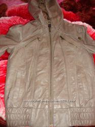 Продам очень классную куртку на девочку 8-12 лет