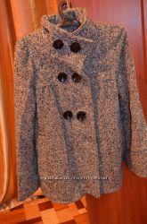 Пальто женское размер 44.