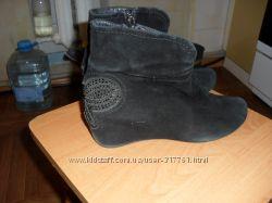 продам ботиночки замшевые черные