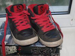 Крутые ботинки Sketchers