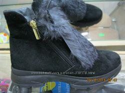 Ботинки женские зимние  с ушками и опушкой кролика