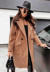 Стильное пальто с накладными карманами