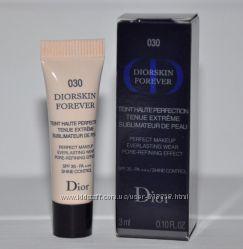 Новая стойкая тональная основа Dior Diorskin Forever тон 030