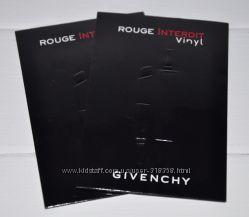 Губная помада с экстримальным блеском Givenchy Rouge Interdit Vinyl Color