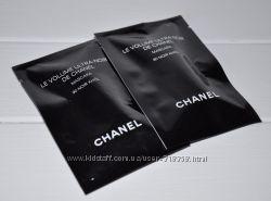 Тушь объема для ресниц насыщенного черного цвета Chanel Le Volume Ultra 1мл