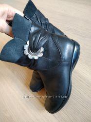 Демисезонные кожаные сапожки Clarks 30p. 19, 5см