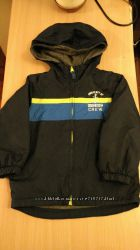 Продам куртку деми OshKosh размер 4