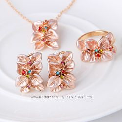 Очень красивые комплекты с австрийскими кристаллами
