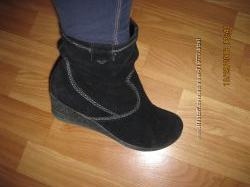 Натур. замша утепленные флисом фирменные ботиночки Германия 4. 5Н размер