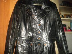 очень крутая фирменая кожаная курточка р. L в идеальном состоянии.