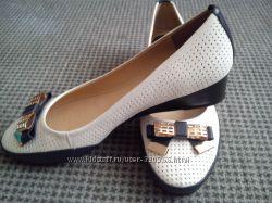 новые кожаные туфли-балетки