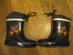 Продам сапоги резиновые, кроссовки