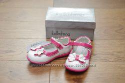Туфельки ТМ Kellaifeng дівч. ,  розміри 23, 25, ціна 190грн В наявності