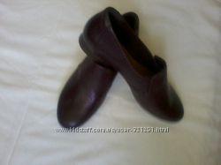 Новые кожаные туфли  CLARKS , размер8. 9, 42