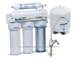 Замена картриджей в фильтре для воды