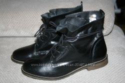 Кожаные ботинки деми 40 р