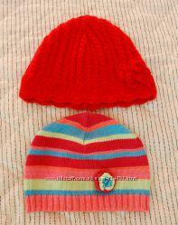 Продам шапочки бу на девочку 1, 5 лет теплую красную Next и деми George